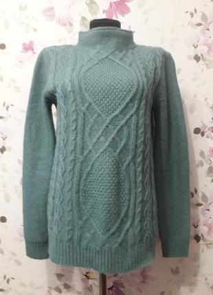 Теплый мягкий свитер мятного цвета