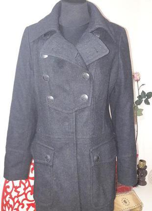 Брендовое пальто известной марки