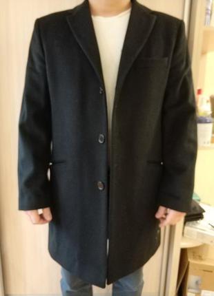 Осенне-зимнее пальто gregory arber