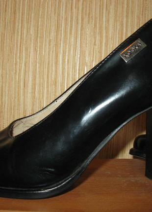 Удобные туфли на толстом каблуке