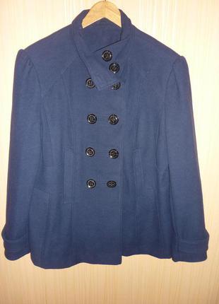 Стильное пальто полупальто 54 размера