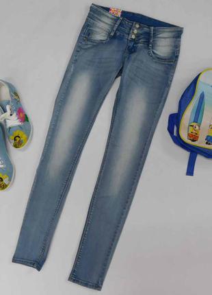 Светлые джинсы на лето узкие, тянутся, adoro, размер s