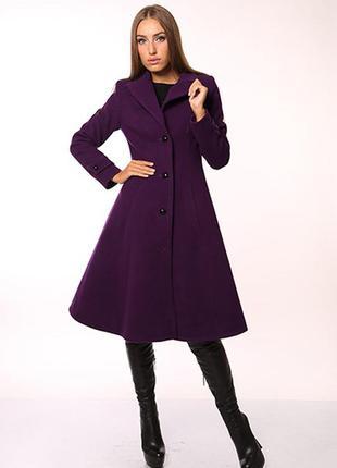 Красивое пальто из кашемира