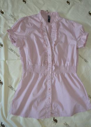 Нежная блуза в трендовые рюши