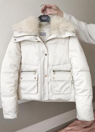 Шикарна біла осіння куртка
