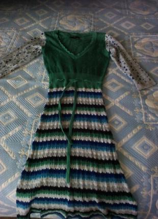 Трикотажное изумрудное платье s