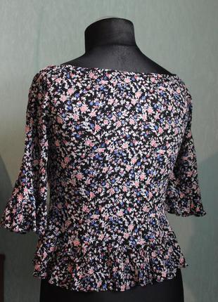 Блуза с рюшами в цветочный принт