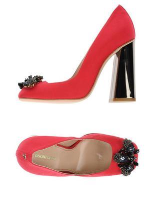 Красные шелковые туфли. стоили - 850$