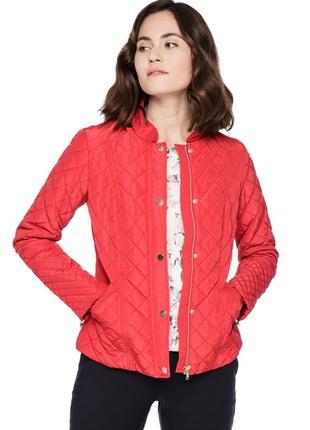 Красная куртка ostin