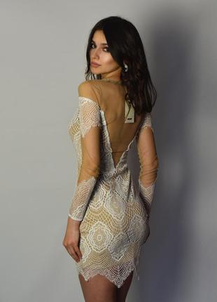 Божественное дизайнерское платье французское кружево открытая спина рукава
