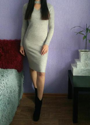 Теплое платье с чокером atmosphere