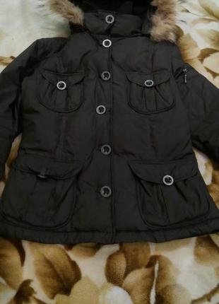 Зимняя куртка на пухе