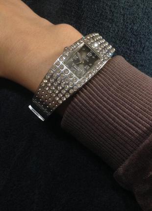 Браслет украшение часы на руку с камнями