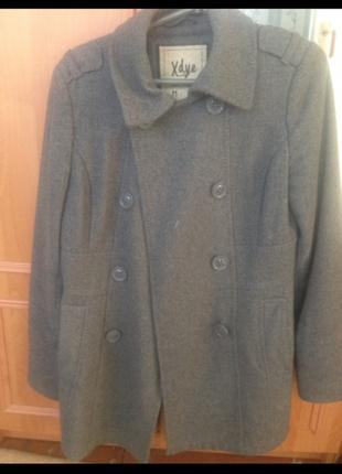 Весенне модное пальто , натуральное