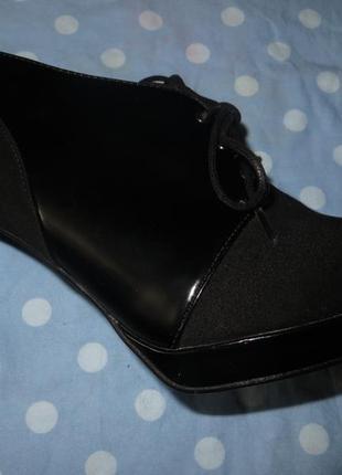 Туфли на шпильке р.40