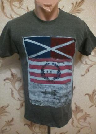 Стильная футболка флаг .размер л ,хл ..котон