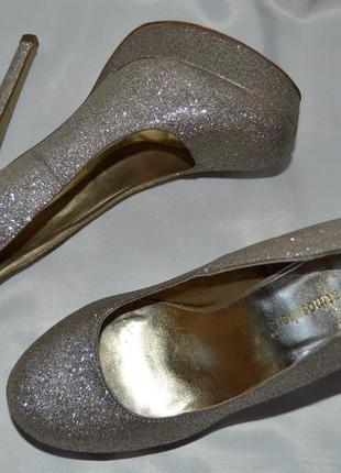 Туфли золотие лодочки atmosphere розмір 39 38, туфлі золоті