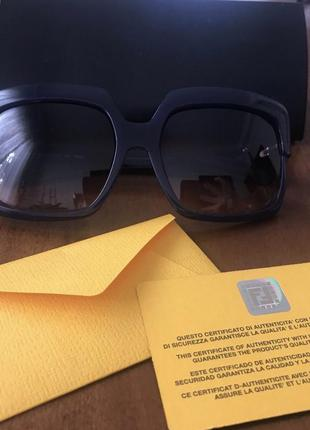 Солнцезащитные очки fendi , оригинал