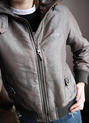 Курточка / утепленный бомбер reebok оригинал