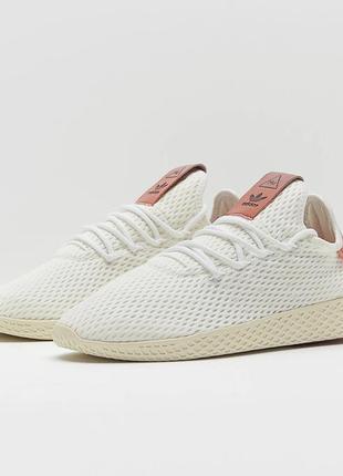 Лимитированные кроссовки adidas hu pharrell pink.