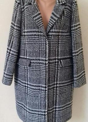 Новое стильное пальто большого размера