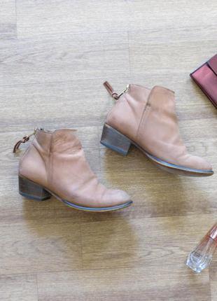 Модные  ботинки нубук office london