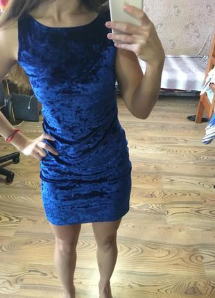 Велюровое новое платье
