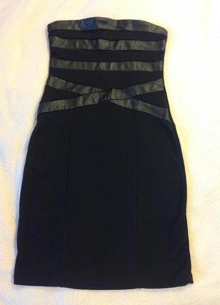 Короткое чёрное платье bershka