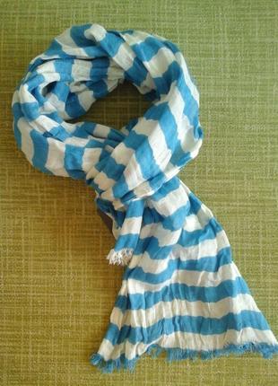 Шарф бело-голубой c&a