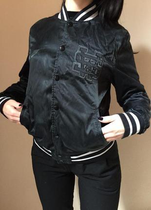 Спортивная куртка-бомбер nike