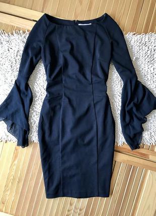 Шикарное силуэтное платье  rinascimento