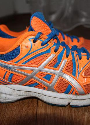 Беговые кроссовки asics gel pulse 6. 34,5 размер. 21,5см. по стельке. оригинал.