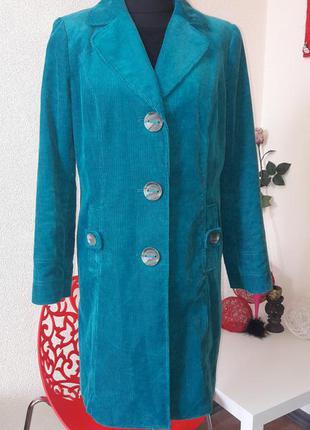 Микровельветовое бирюзовое пальто