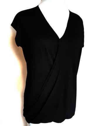 Модная футболка с запахом