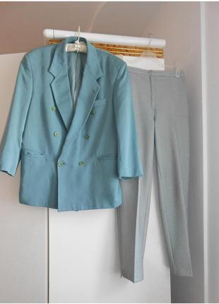 Классические брюки на высокой талии со стрелками цвета шалфей