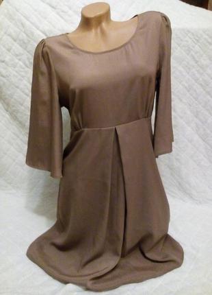 Платье цвета мокко