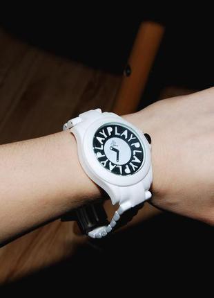 Новые часы play cloths the time machine watch in white
