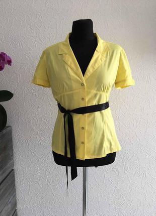 Яркая летняя рубашка с поясом, короткий рукав