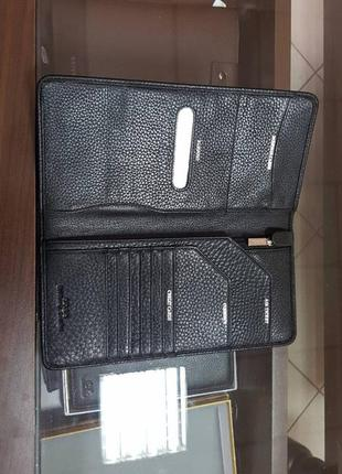 Стильный кожаный портмоне