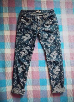 Джинсы в цветочек (цветочный принт, цветок) бойфренды, штаны