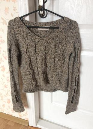 Укороченая кофта свитер с дырками на рукавах