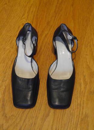 Туфлі шкіряні розмір 36 стелька 24,4 см темно-сині andrea