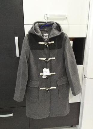 Лимитированная коллекция  пальто-дафлкот uniqlo совместно дизайнером j.w.anderson