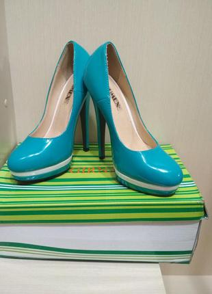 Супер красивые туфельки для королевы бирюзового морского цвета 35размер