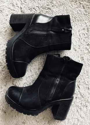 Замшевые ботинки осень/зима на каблучках