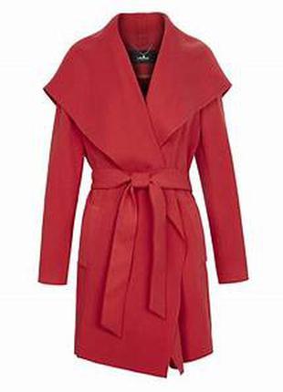 Пальто на запах цвета терракота