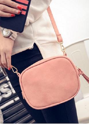 Удобная розовая сумочка-клатч для весны-лета