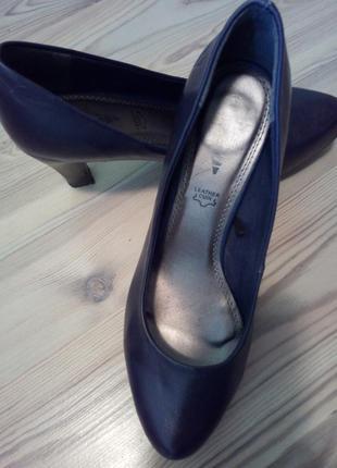 Новые кожаные брендовые итальянские туфли