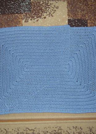 Прямоугольный коврик,ручной работы.