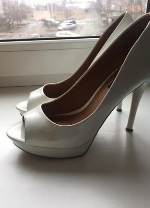 Свадебные туфли mango